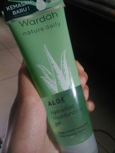 Review Wardah Nature Daily Aloe Hydramild Multifunction Gel